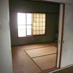 施工前。光の入らない和室でした。