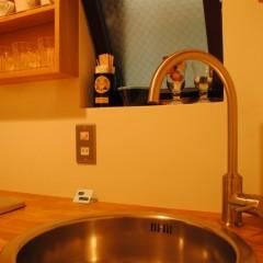 【HACO2】キッチンも同様にミニマムに。コーヒーを淹れられればそれでよし。