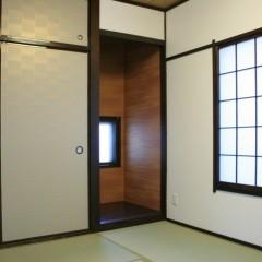和室の木部は全て濃い色に塗り替えました。