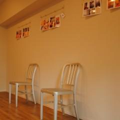 【HACO1】広い壁にはピクチャーレール。デザイナーさんのオフィスには重宝しそう。