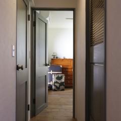 2階の突き当りの部屋が寝室です。
