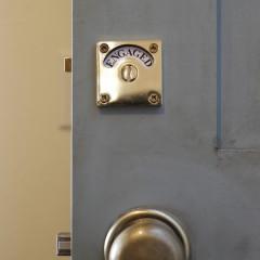 こだわりのドアとドアノブ③ 鍵付きです。