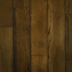 フローリング材はオーク材のヴィンテージ加工。濃い目の色をセレクト。