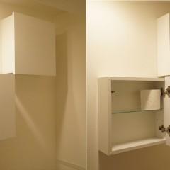 トイレの収納すらカッコいいですね。開けると右の画像のような感じに。