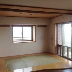 施工前①リビングの一角に和室がありました。