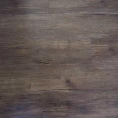 床はフロアタイル。