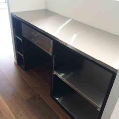 キッチンと同じく造作したカウンター。幅や高さ・・・一つずつ決めていきました。