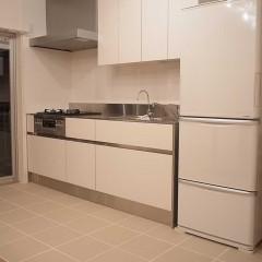 キッチンはサンワカンパニー。ステンレス×白が奥様のこだわりです。