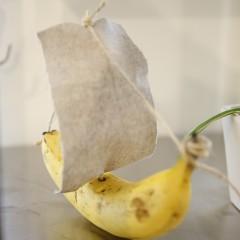 なんとバナナをヨットに見立てたオブジェ!