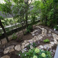 季節の変化が楽しくなりそうな、庭付きのお部屋!