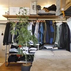 部屋と玄関のゾーニングはオープンクローゼットで。